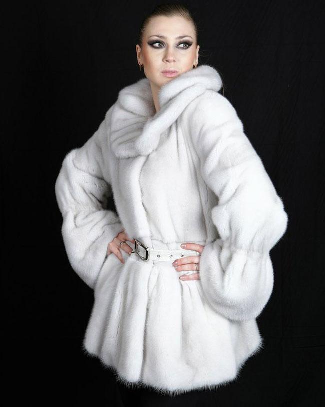 Модные белые шубы 2015-2016