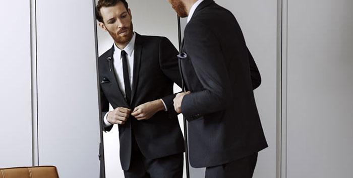 Тонкий черный галстук