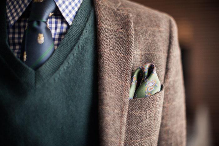 Учитываем цвет галстука